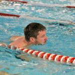 Morten Christensen i fuld gang med svømmedisciplin